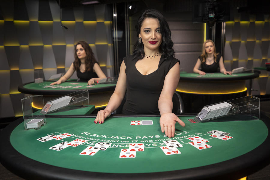 These Four Mistakes Will Destroy Your Online Casino